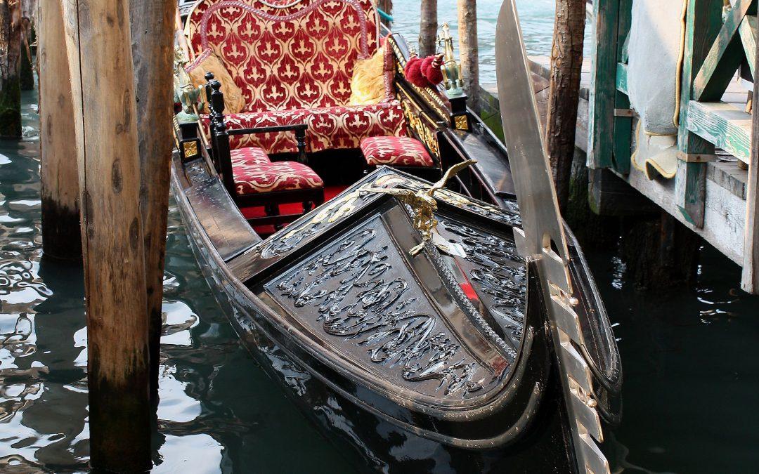 Unsere Gondel als Tourismus-Magnet in Venedig