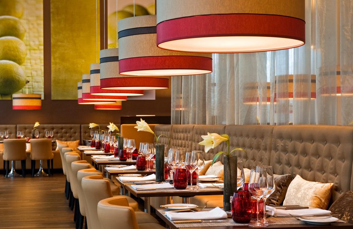 leonardo royal hotel munich restaurant 2 la gondola barocca. Black Bedroom Furniture Sets. Home Design Ideas