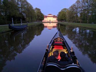 Gondel auf dem Rückweg in Richtung Schloss Lustheim
