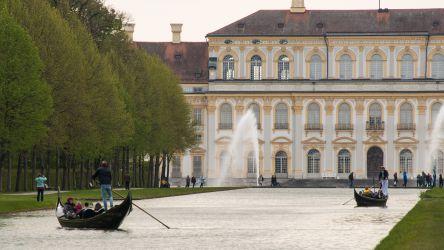 Gartenfestival Schleißheim 2017 - Gondeln vor dem Neuen Schloss Schleißheim